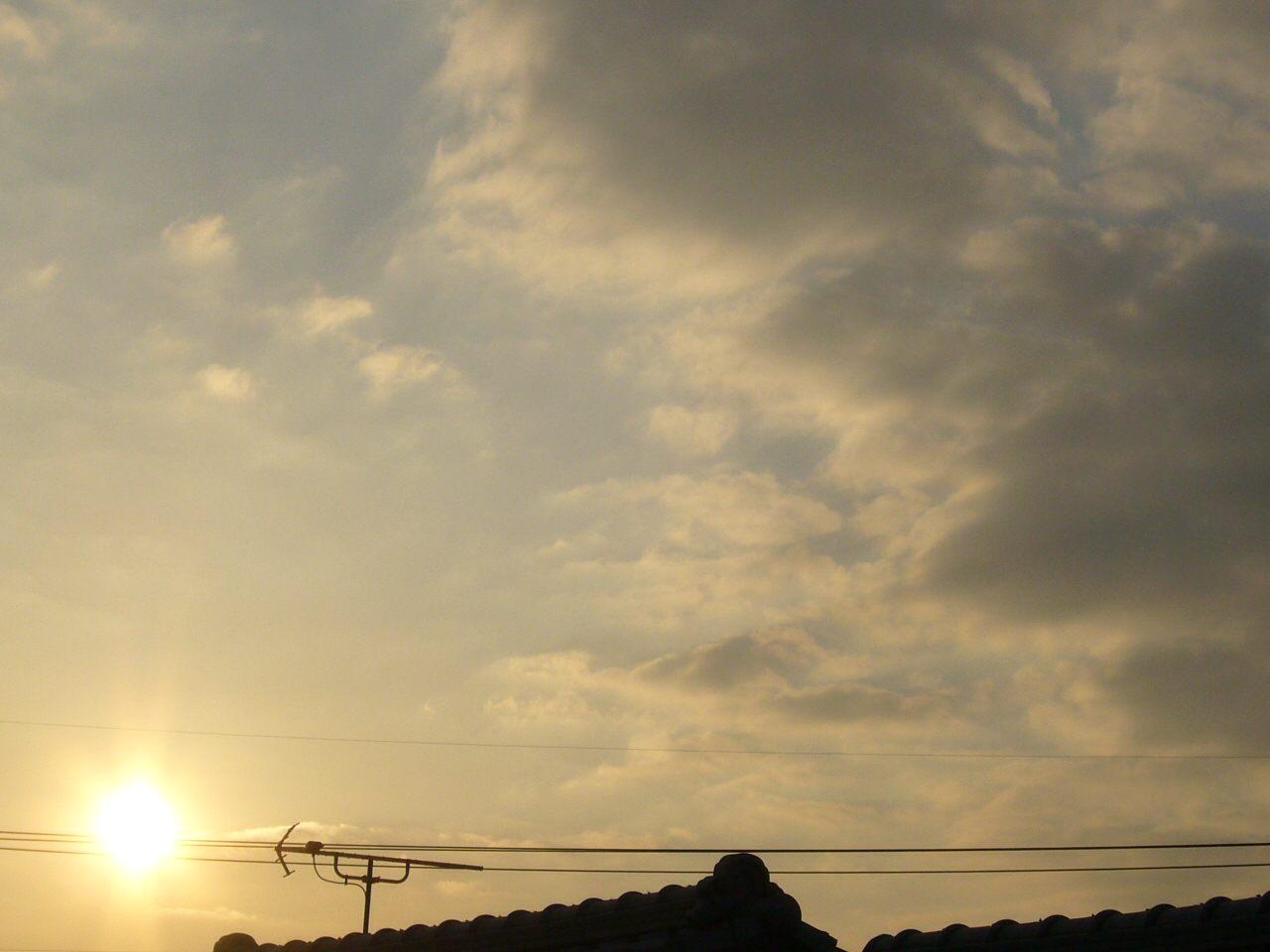 今日の夕日。いい感じです。
