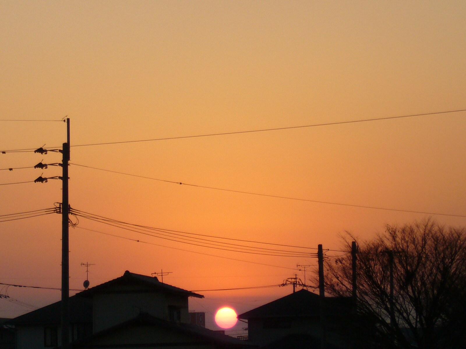 今日の夕日と夕焼けと。