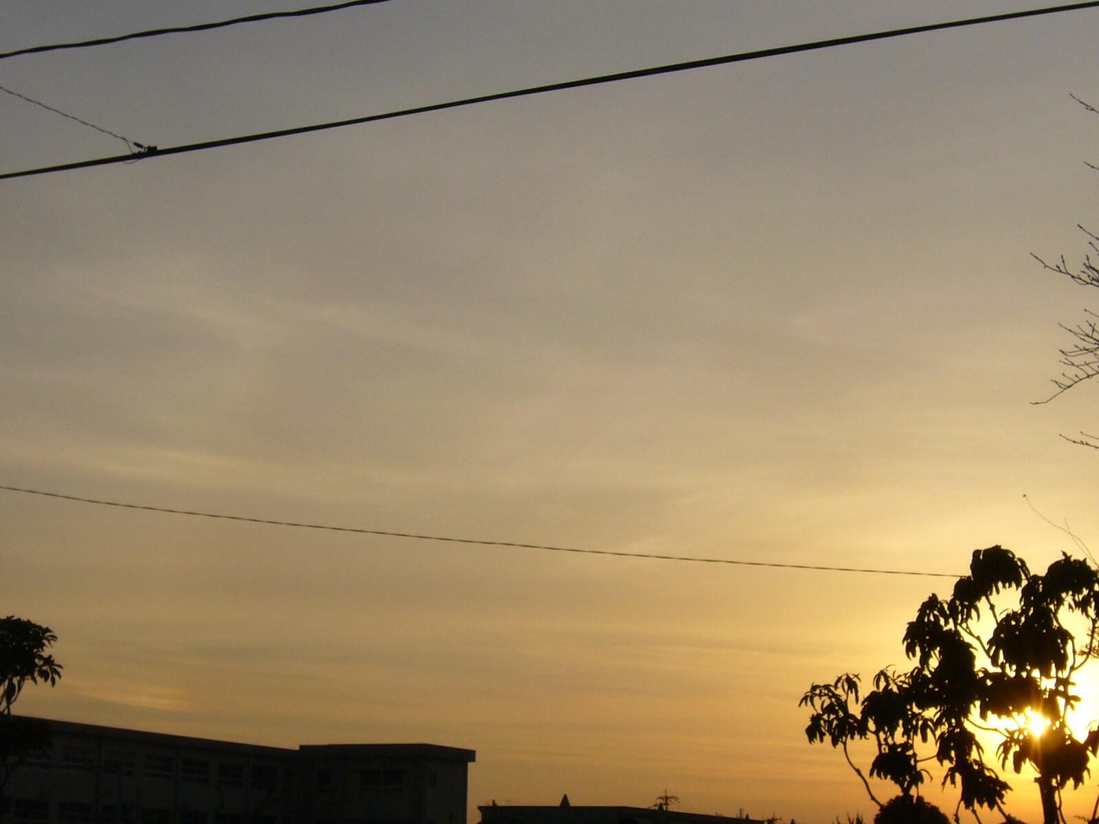 夕日と夕焼けと幻日(左下にあるんですけどね)