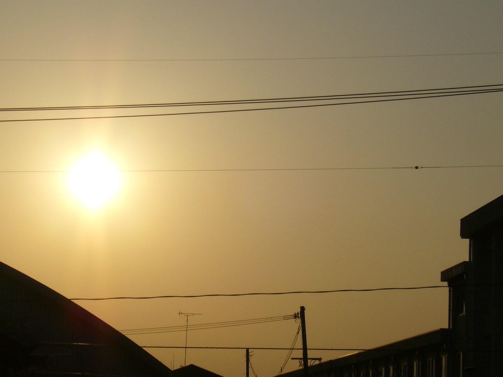 今日の夕日。もう西日が暑いぞ!
